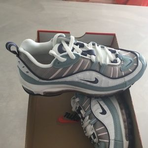 New Women's Nike Air Max 98 size 6.5